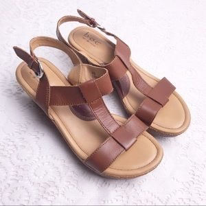 BOC BORN Brown Leather T Strap Wedge Sandals Sz 8